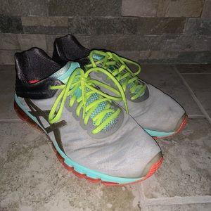 Asics Gel Quantum 180 Running Shoes.